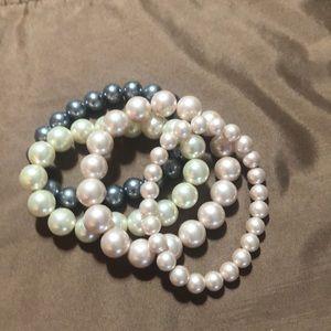 Jewelry - Set of stretch bracelets